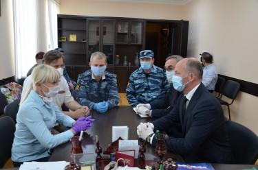 Виктор Фисенко и Джамалудин Гаджиибрагимов посетили исправительную колонию № 2