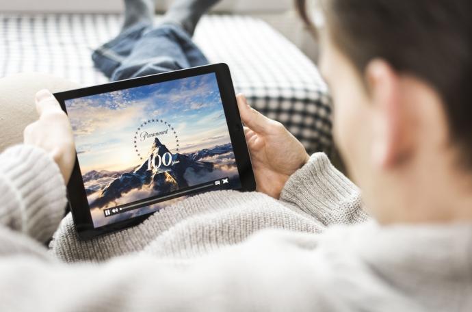 Эксперты допускают, что в РФ могут начать выпускать фильмы одновременно в прокат и онлайн | Новости |