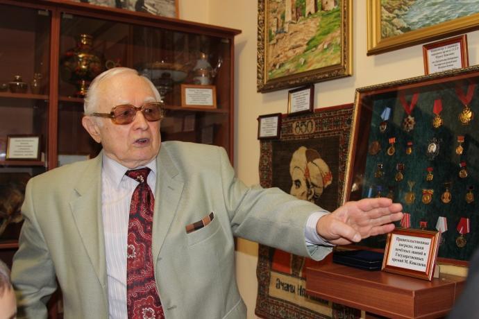 В Дагестане запустили масштабный телефестиваль, посвященный 90-летнему юбилею Мурада Кажлаева | Новости |
