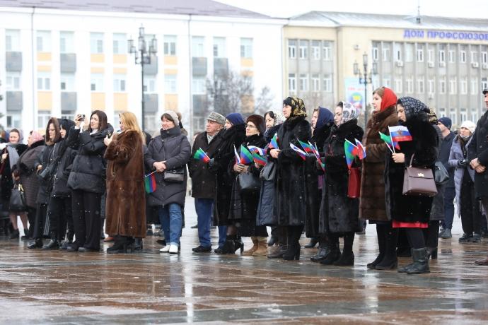 В Махачкале состоялась торжественная церемония открытия Года 100-летия образования Дагестанской АССР | Новости |