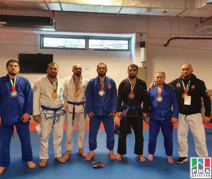 Дагестанские джитсеры выиграли 8 медалей на чемпионате мира в Абу-Даби | Новости |