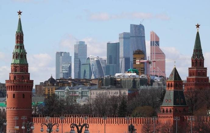 Кремль уверен в экономической стабильности в России после объявления новых санкций США   Новости  
