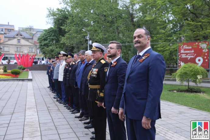 Сергей Меликов почтил память погибших в годы Великой Отечественной войны   Новости  