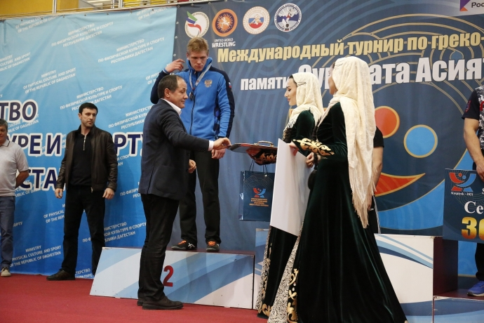 Спорт онлайн: «Ростелеком» в Дагестане выступил партнером международного турнира по греко-римской борьбе   Новости  