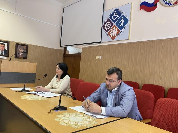 В Минтруда Дагестана обсудили трудоустройство выпускников и господдержку работодателей | Новости |